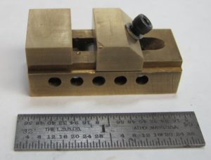 Miniature mill vise