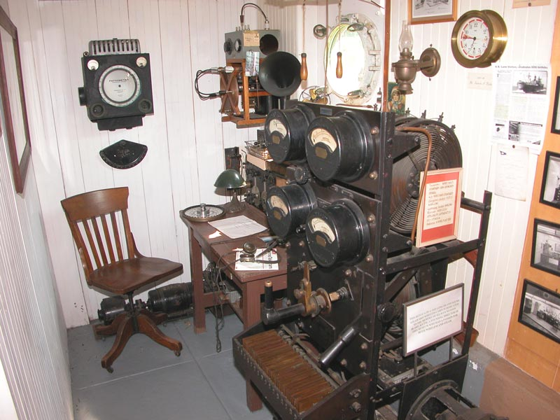 Ship Radio Room from the 1920's – New England Wireless